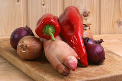 Pig's trotter, onion and pepper Stock Photography