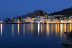 Pigadia镇喀帕苏斯岛的,希腊 免版税库存图片