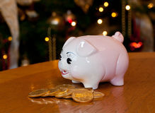 Piggy bank at xmas Royalty Free Stock Images