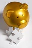 Piggy Querneigung und Puzzlespiel stockbild