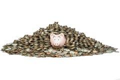 Piggybank byggandebesparingar royaltyfri bild