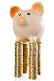 Piggybank sulla parte superiore Fotografia Stock Libera da Diritti