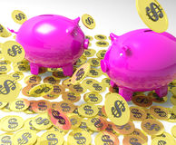 Piggybanks auf den Münzen, die amerikanisches Bankwesen zeigen Stockbild