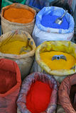 Pigmenti variopinti su un mercato turco Immagine Stock
