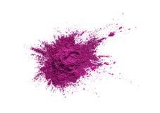Pigmento coloreado brillante Polvo cosmético flojo Pigmento rosado de neón aislado en un fondo blanco, primer del sombreador de o imagen de archivo