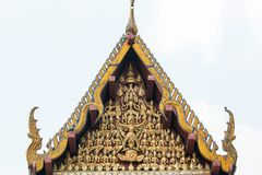 Pignon ou tympan de Wat Na Phra Meru Photo stock