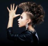Pigtails da mulher da beleza, penteado, saudando Fotos de Stock