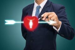 Pijl door rood hart Royalty-vrije Stock Fotografie