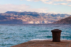 Pijler in Baska, eiland Krk, Kroatië Royalty-vrije Stock Foto's