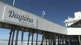Pijler in Daytona Beach stock video