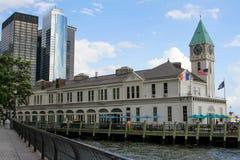 Pijler een Havenhuis Royalty-vrije Stock Foto's