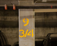 Pijler in Garage Royalty-vrije Stock Foto's