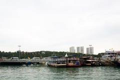 Pijler met de inschrijving Pattaya Stock Foto's