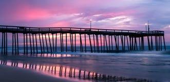 Pijler met zonsopganghemel Stock Fotografie