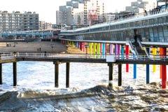 Pijler op het strand van Scheveningen in Den Haag in Nederland Stock Foto