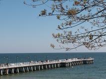Pijler over het overzees in de zomer Stock Afbeelding