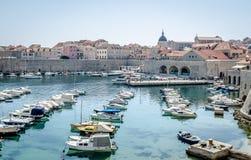 Pijler van de Dubrovnik de oude stad Stock Foto's