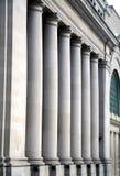 Pijlers bij de Canadese Bouw van de Overheid Stock Foto