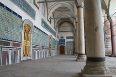 Pijlers en ornamenten in Topkapi-paleis, Istanboel, Turkije Royalty-vrije Stock Fotografie