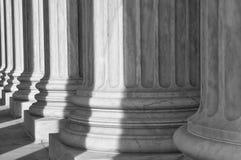 Pijlers van het Hooggerechtshof van de Verenigde Staten stock foto's