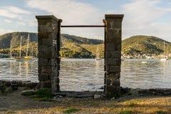 Pijlers zoals een ingang Stock Afbeelding