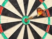 Pijltje bullseye Royalty-vrije Stock Afbeeldingen