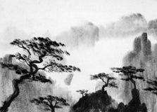 Pijnboombomen en bergen royalty-vrije illustratie
