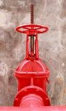 Pijp en Klep van brandbestrijdingssysteem Stock Foto