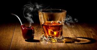 Pijp en whisky royalty-vrije stock afbeelding