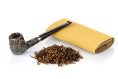 Pijp met tabak Royalty-vrije Stock Foto's