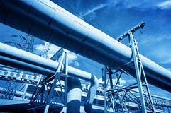 Pijpen bij thermische eclectische krachtcentrale Industrie Royalty-vrije Stock Afbeeldingen