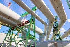 Pijpen bij thermische eclectische krachtcentrale Industrie Stock Foto's