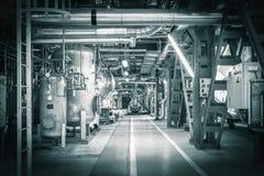 Pijpen in een moderne thermische krachtcentrale Stock Fotografie