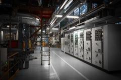 Pijpen in een moderne thermische krachtcentrale Stock Afbeeldingen