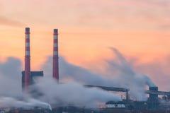 Pijpen en het verontreinigen van rook-4 Stock Fotografie