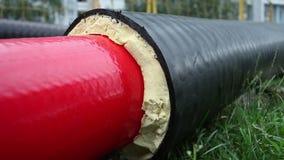 Pijpen met het schuim van het thermische isolatiepolyurethaan stock video