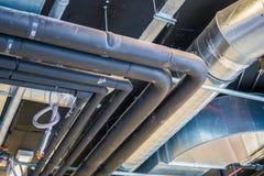 Pijpen van het systeem & x28 van HVAC; het verwarmen ventilatie en airconditioning & x29; stock afbeeldingen