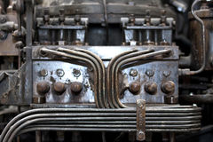 Pijpleidingen van oude compressor stock afbeelding