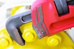 Pijpmoersleutel of meer plier moersleutel, Hulpmiddelenmateriaal voor gebruik in zware baan. Stock Afbeeldingen