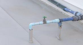 Pijpsysteem van airconditioning stock afbeelding