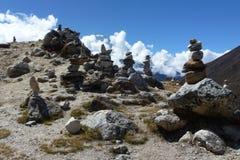 Pikas (被堆的石头)在路的Periche谷向Dingboche,珠穆琅玛营地艰苦跋涉,尼泊尔 免版税库存图片