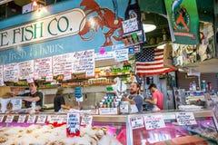 Pike Place Fish Company Foto de archivo libre de regalías