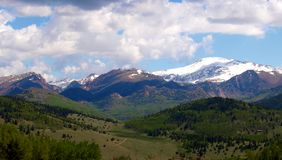 Pikes Peak. Seen from Colorado 67, snow-capped Pikes Peak stands an impressive 14,115 Stock Photos