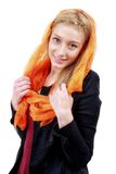 Piękna blondynki kobieta z niebieskimi oczami i kolorowym szalikiem Obraz Stock