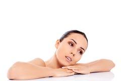 Piękna naga kobieta odizolowywająca na białym tle Zdjęcia Stock