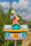 Piękna skrzynka pocztowa w lato czasie przy ogródem Zdjęcie Stock