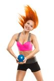 Piękna zmysłowa kobieta robi sprawności fizycznej z piłką Fotografia Royalty Free