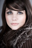 pięknego brunetki żakieta nastoletnia zima Obraz Stock