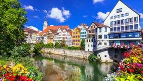 Piękni miasteczka Niemcy, Tubingen -, colourful kwiecisty miasteczko wewnątrz Obrazy Royalty Free