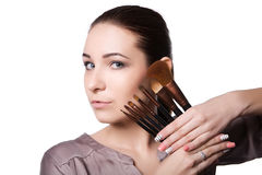 Piękno młoda dziewczyna z Makeup muśnięciami Naturalny makijaż dla brunetki kobiety z bleu ono Przygląda się piękną twarz makeove Zdjęcie Royalty Free